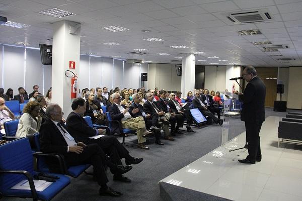 forum V Fórum discute cenários econômicos e liberdade financeira